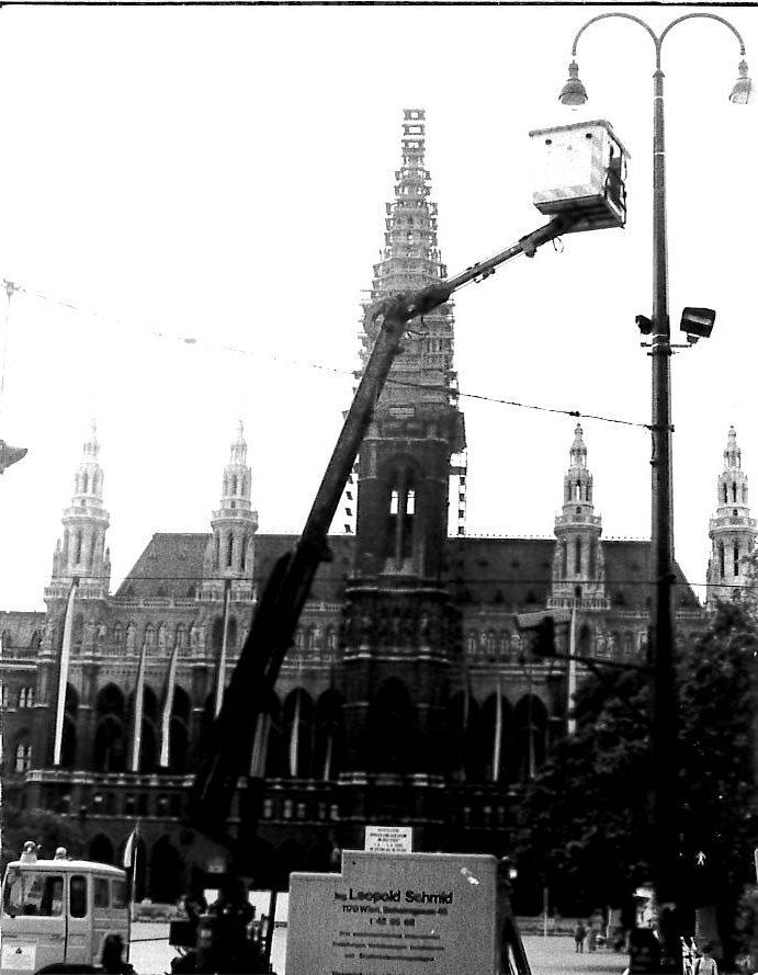 Rathaus, Beleuchtung Rathausplatz